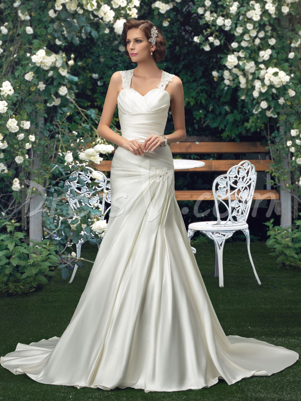 Plus size wedding dresses 2015 beaded straps sweetheart for Plus size beaded wedding dresses