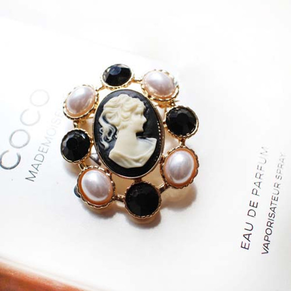 Vintage Women Brooches Luxury Pearl Elegant Plated Gold Party Fine Jewelry Wedding Jewellry Brooch Bouquet Cheap Wholesale(China (Mainland))