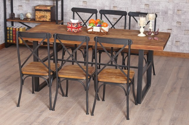 Table de bar fer forge et bois for Table de salle a manger en zinc