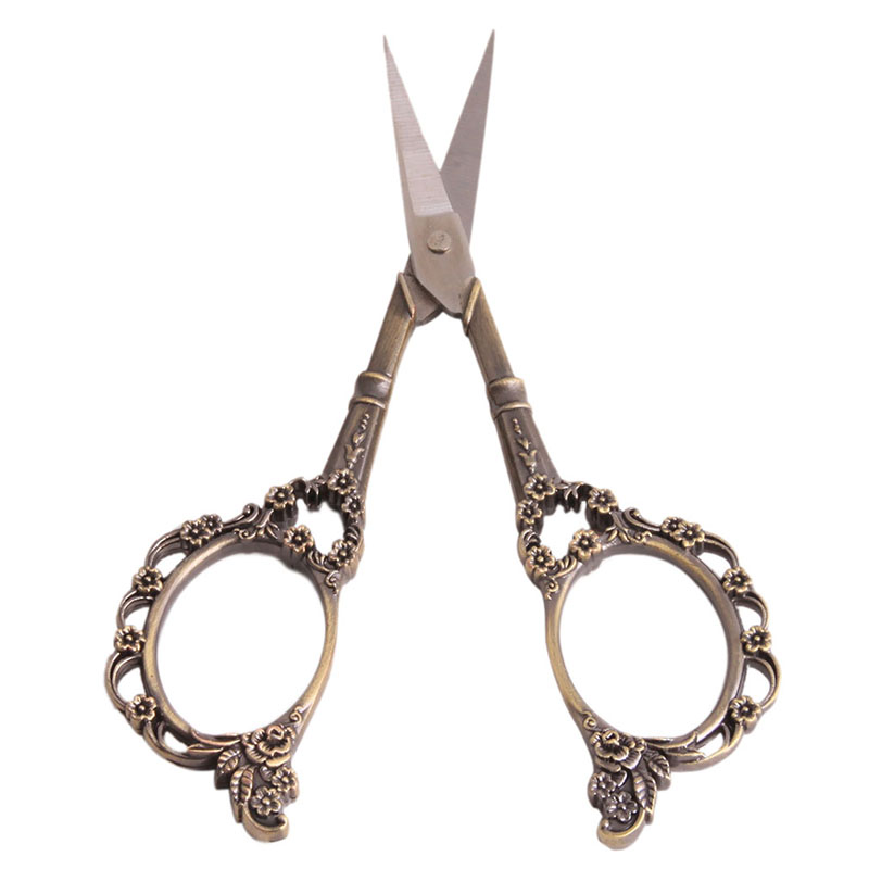 1pc Vintage Floral Pattern Scissors Seamstress Plum Blossom Tailor Scissor Antique Sewing Scissors for Fabric Tool YL877883(China (Mainland))