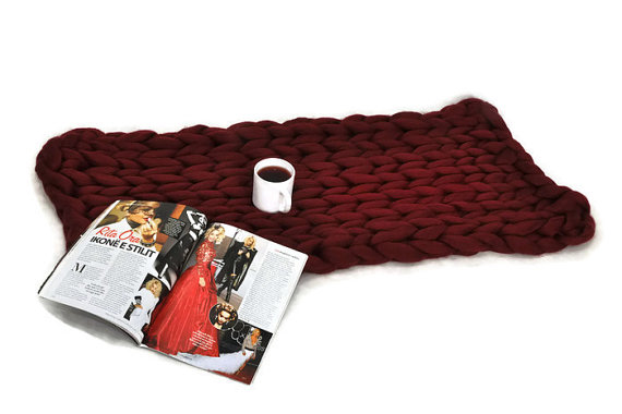 Chunky knit blanket, cozy blanket,  giant knit blanket, red wine color Size: 44x62 inches (112x158 cm) <br><br>Aliexpress