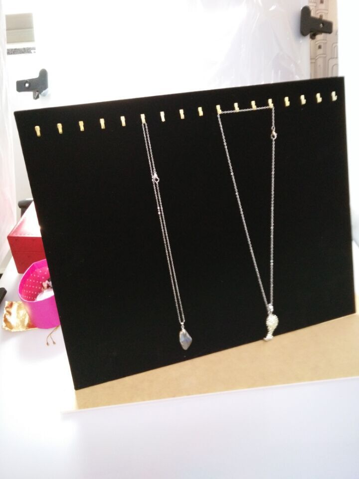 Free shipping Black 17 Hooks Velvet Surface Jewelry Necklace Chain Display Board Stand Rack For jewelry display(China (Mainland))