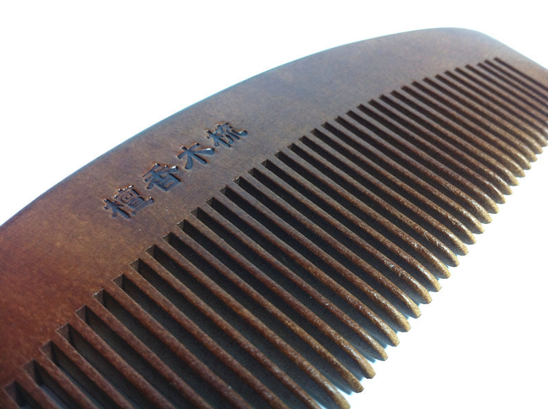 Wood raw material of natural green sandalwood combs hair wood comb big massage comb Styling Tools(China (Mainland))