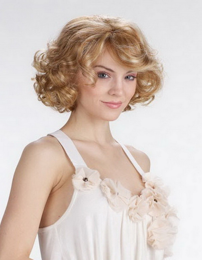Hot Sale Heat Resistant Synthetic European American Fashion Sexy Natural Celebrity Blonde Hair Short Curly Wig For Women(China (Mainland))