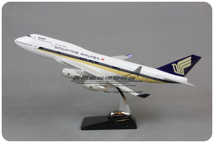 47cm Resin Air Singapore Airlines Boeing B747 400 Airways Plane Model Airplane Model Toy Collections Decoration Gift(China (Mainland))