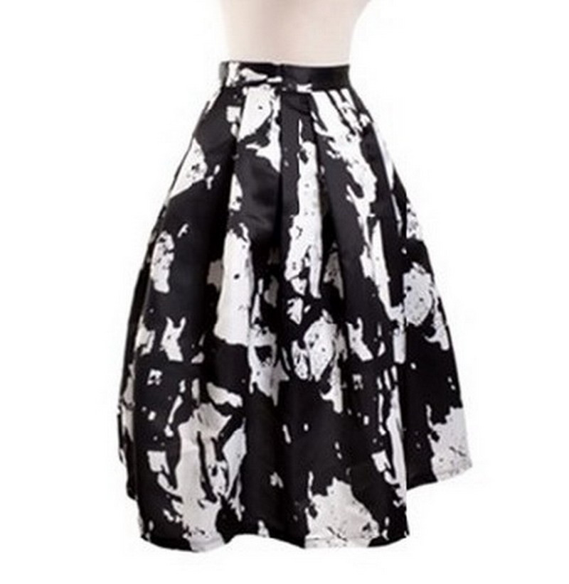 Midi Skirts. The timelessly chic look of midi skirts has been in style ever since the s. Whether the length of the skirt falls below the knee of just at the calf, you can't go wrong with midi skirts no matter what you choose to accessorize them with.