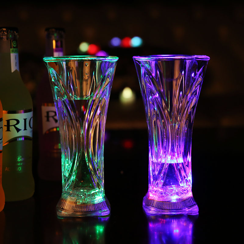 2015 Newest LED Juice Cup Flashing Shot Glasses Flashing Cup LED Flash Juice Glass For Christmas New year Bar KTV Party Supplies(China (Mainland))