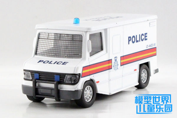 1 PC 14.5cm SWAT police ambulance Alloy car model toy car escort cash box truck Acousto-optic version children gifts(China (Mainland))