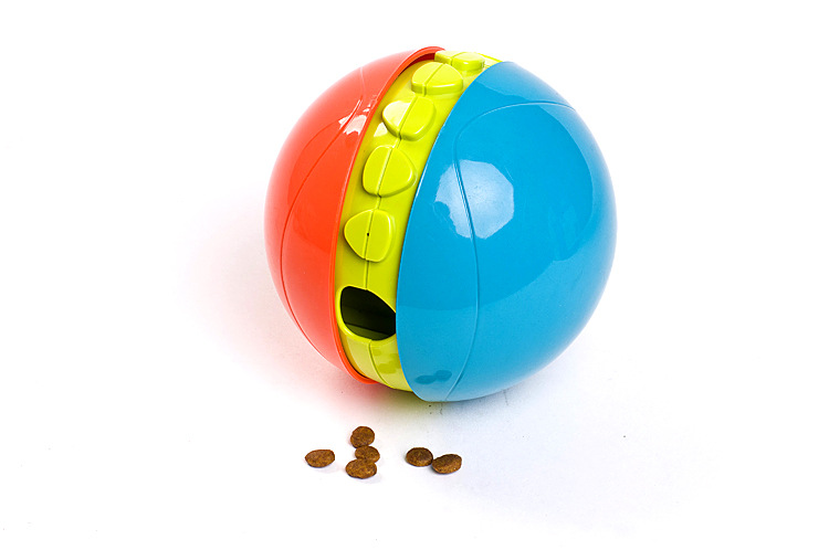 2015 new United States KYJEN cool pet dog puzzle toy gyroscope drain food ball free toys shipping(China (Mainland))