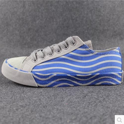 2014 Limited Rushed Freeshipping Women Oxfords for Women Discounted Students To Help Low Canvas Shoes Tide Stripe Mosaic Washing(China (Mainland))