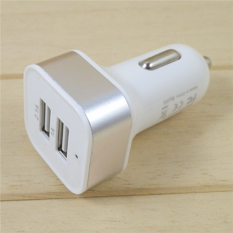 dual universal car charger 09