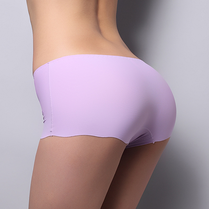 There are some companies who apply different techniques during seamless garment manufacture, such as metal reinforcements in the bra area of seamless tops and also reinforcement of panties, which provide uplift for the wearer.