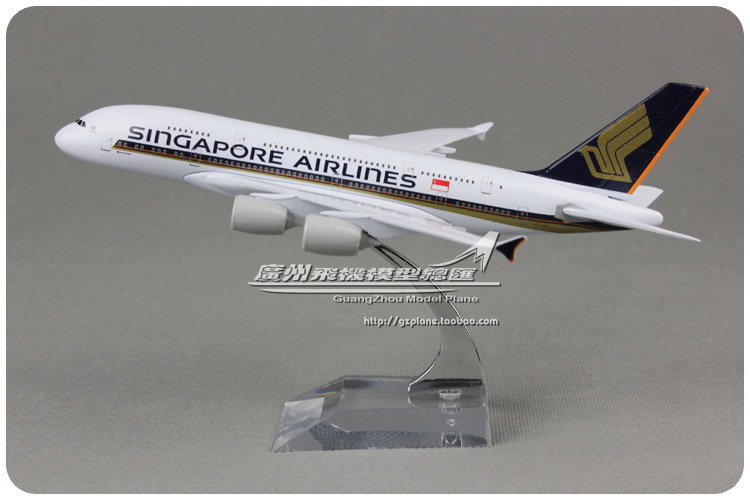 18cm Metal Airplane Model Air Singapore Airlines A380 9V-SKA Airbus 380 Airways Plane Model W Stand Aircraft Toy Gift(China (Mainland))
