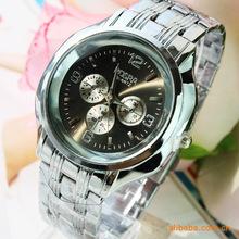 2015 nueva moda casual Mens relojes alta calidad cuarzo del negocio de acero relojes Creative car dashboard design envío gratis