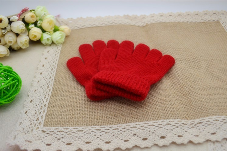 2016 Winter Cute Baby Warm Gloves Boys Girls Winter Knitted Gloves Solid Colors Full Finger Stretch Knit  Mittens 2-8Years