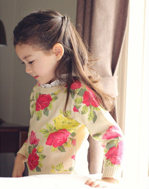 5pc/lot 2014 New Fashion Korean Style Little Girl Knit Floral Sweaters / Pullovers Flower Kids Sweater Beige