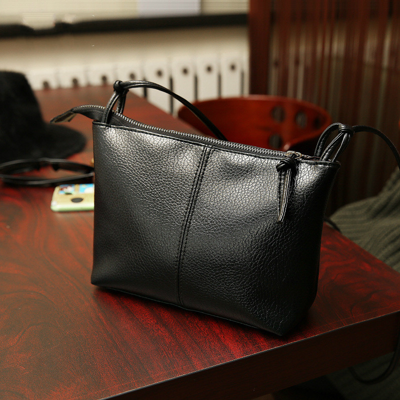 2017 New Fashion black Women messenger Bag Designer Handbags girls Leather cross body Handbags Famous Brands small Shoulder Bag