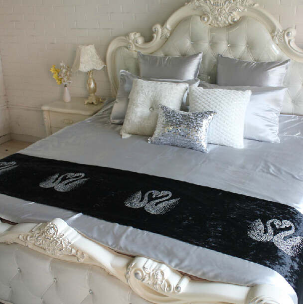 RN327 Luxury hot hall drilling hot Swan fashion simple table flag hotel bed bed towel runner ornament(China (Mainland))