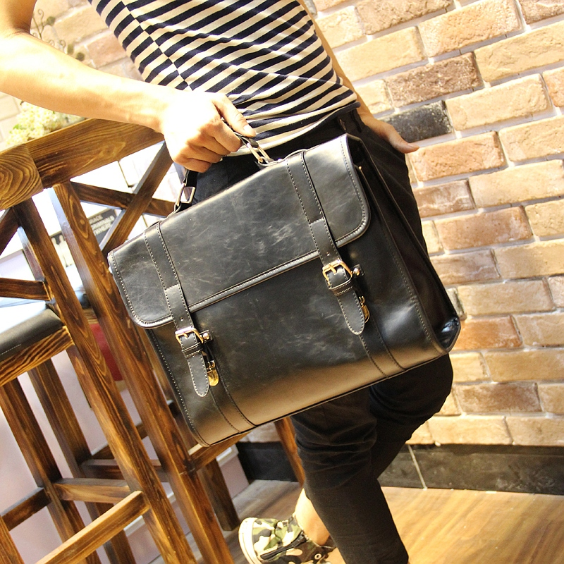 Popular in Europe fashion brand Crazy horse PU leather men messenger bag men handbag luxury vintage