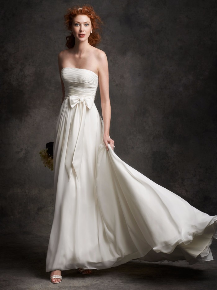 2016 Simple A-line Strapless Court Train Wedding Dress Chiffon Lace-up Back With Bow Bride Gown Snow White Cheap Wedding(China (Mainland))