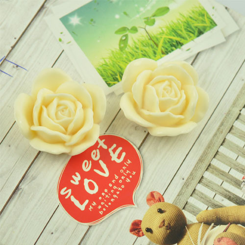 40*40mm&Cream Resin Cabochon Flower for Jewelry/Mobilephone Decoration Wholesale 100pcs/lot Re-007 (Re-007)(China (Mainland))