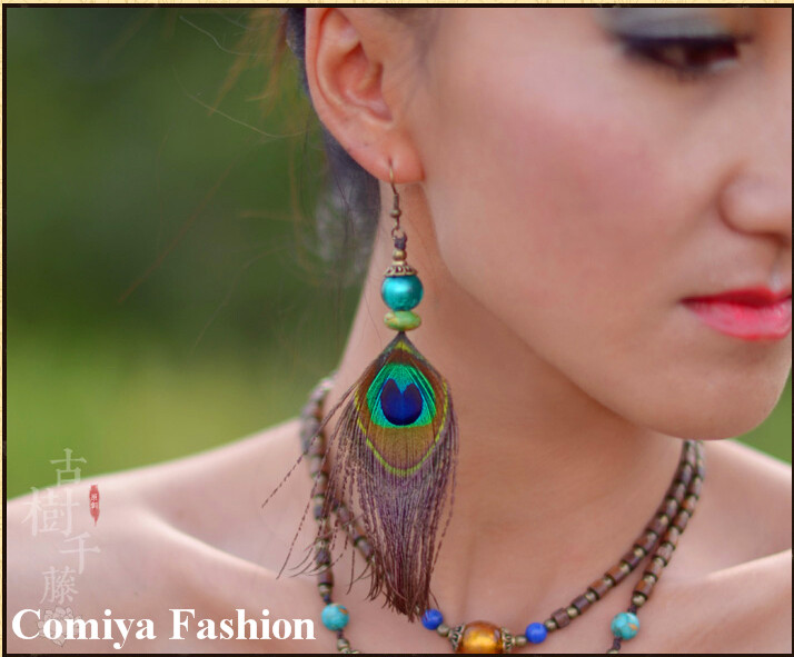 Colorful Peacock Feather Earrings For women With Green Ball Fashion Relaxation New Chinese Handmade Vintage Troditional earring(China (Mainland))
