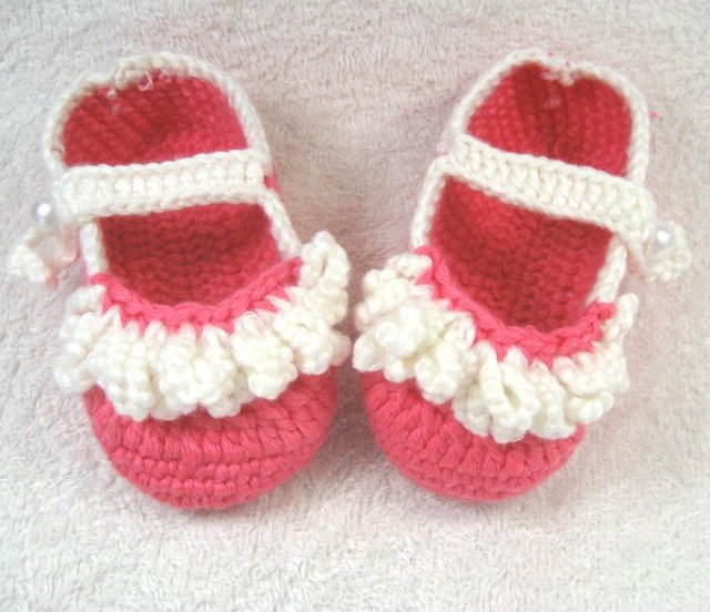 Handmade Vintage Crochet Baby toddle girl Shoes lace footwear for beanie 0-12 Months Ivory red xmas hot sale