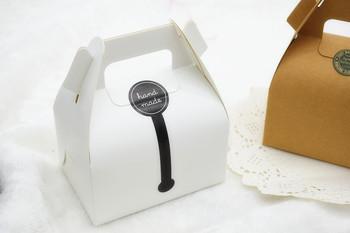 50 pcs lote blanc carton boulangerie cadeau bo te g teau bonbons cookie emballage bo tes. Black Bedroom Furniture Sets. Home Design Ideas