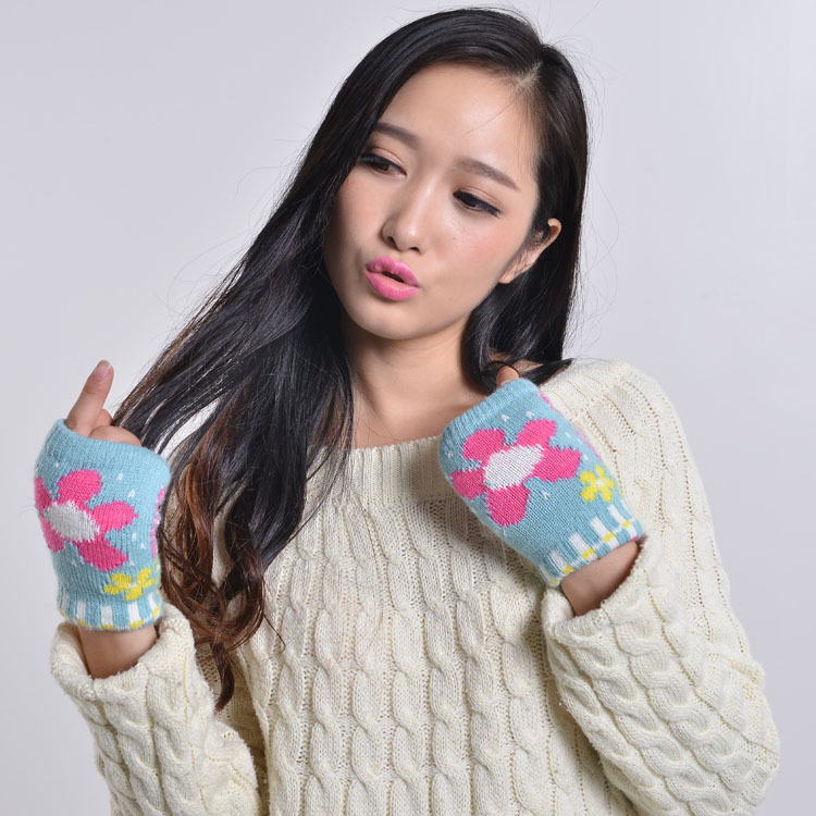 Manufacturers Selling Fingerless Gloves Ladies Half Card Fingerless Gloves Wholesale Computer Love Flowers Woolen gloves(China (Mainland))