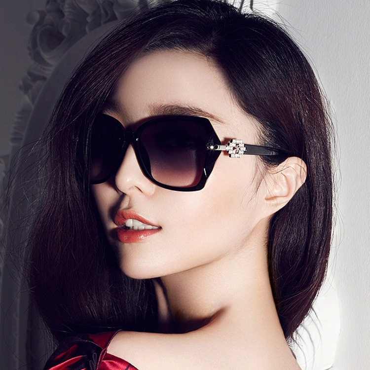 Summer fashion models glasses wholesale price men sunglasses 2015 top selling sunglasses women What style glasses are in fashion 2015