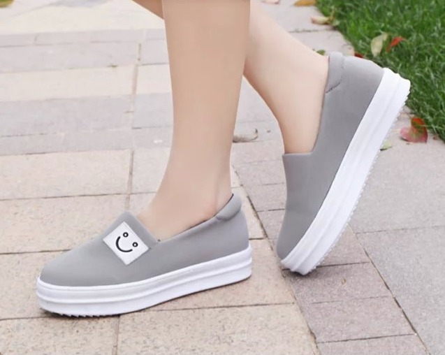 2015 New Women Fashion Sneakers Low Canvas Shoes Platforms Canvas Sneakers Casual Flat Shoes Size 35-39 Free Shipping E160(China (Mainland))