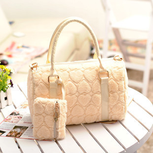 2014 winter new plush hearts picture grass shoulder bag sweet lady leather handbag factory outlets(China (Mainland))