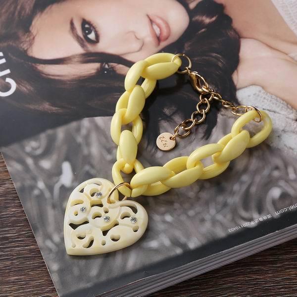 Bracelets & Bangles Watch Limited 2015 Fashion Girl Romantic Heart-shaped Pendant Acrylic Christmas Gifts To Send His Girlfriend(China (Mainland))