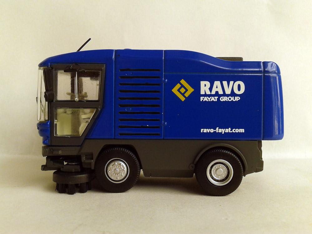 1:50 Ravo fayat street sweeper with Blue toys(China (Mainland))