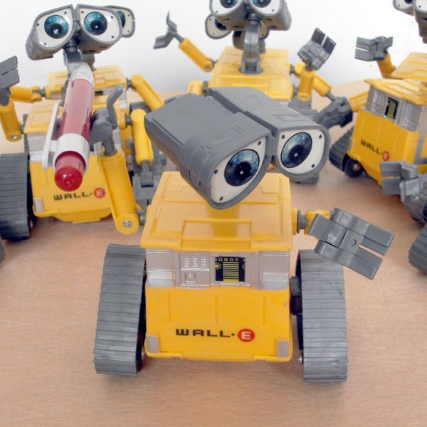 Hot!12cm Wall-E Robot Wall E PVC Action Figure Collection Model Toy Doll(China (Mainland))