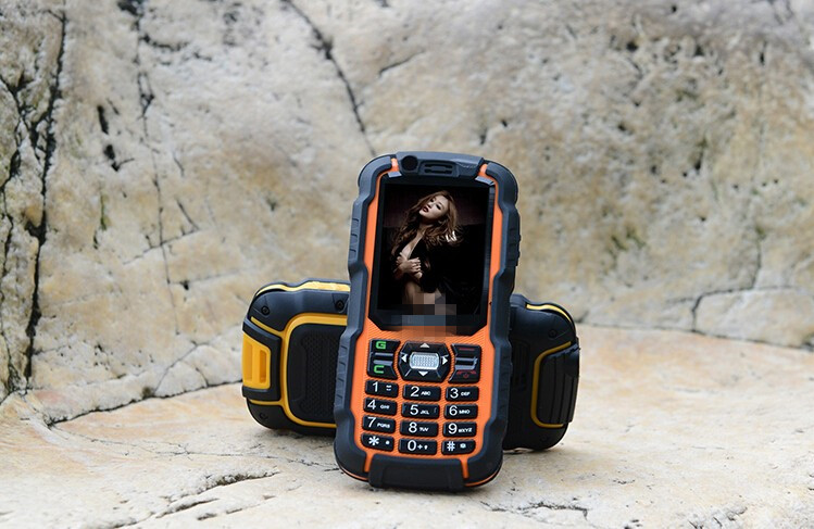 2016New RUNGEE A12 Walkie Talkie PTT Phone 3800mah Dual SIM GSM/CDMA LED 0.3MP Russian keyboard elder people mobile phone s6(China (Mainland))