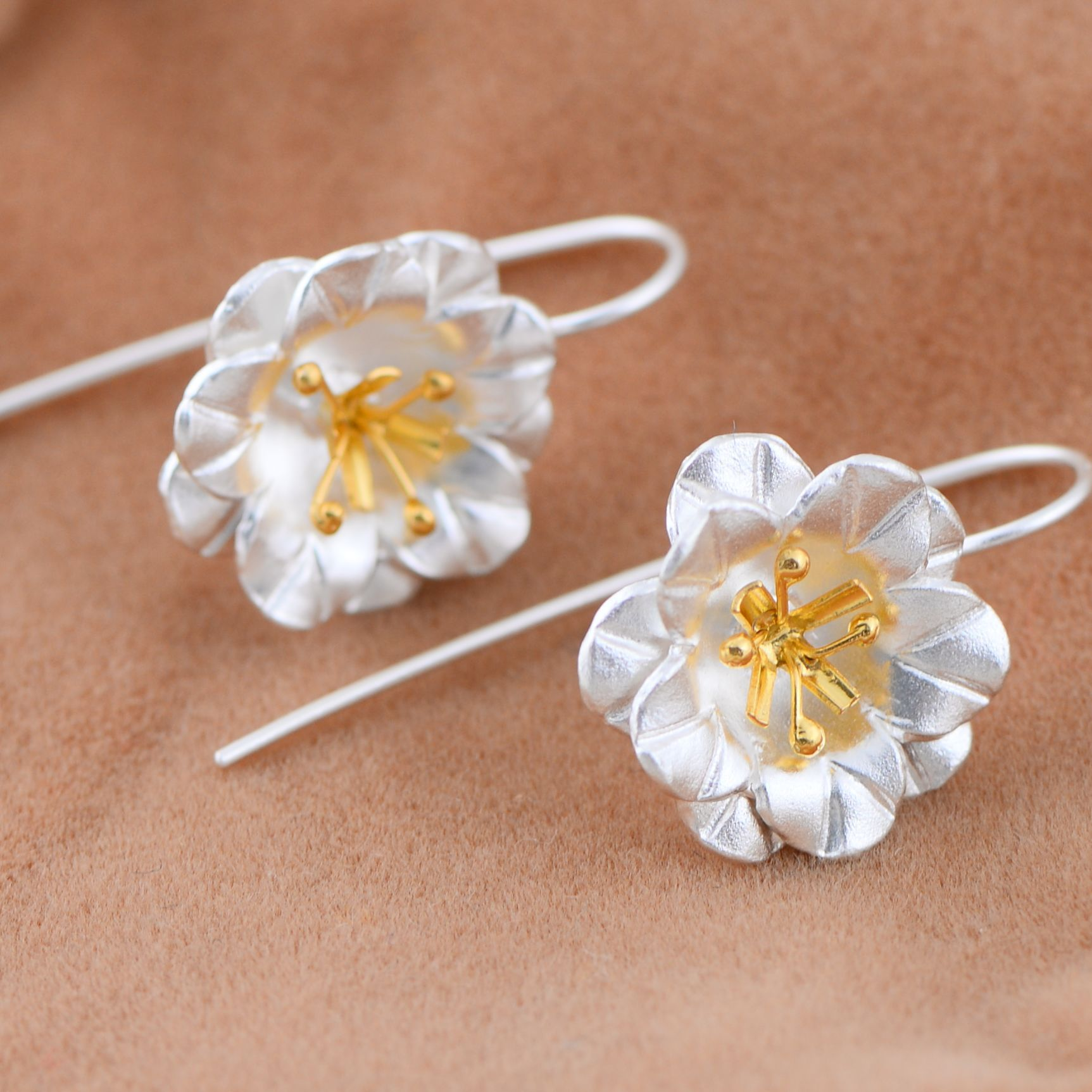 silver jewelry wholesale 925 sterling silver jewelry Thailand Golden Flower Earrings small drawing process 46726 Ms.(China (Mainland))