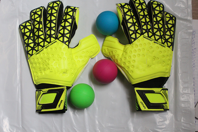 The latest brand AS perfect quality football soccer goalkeeper gloves sports goods(China (Mainland))