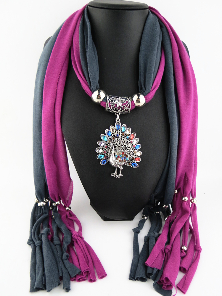 2015 Factory direct sales favorite new design alloy peacock pendant scarf(China (Mainland))