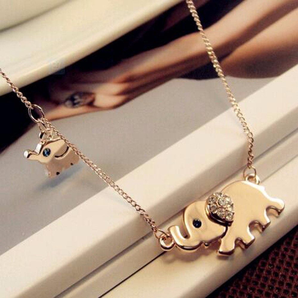 2016 New Hot Cute Elephant Family walk air design women charming crystal chain necklace Chocker necklace