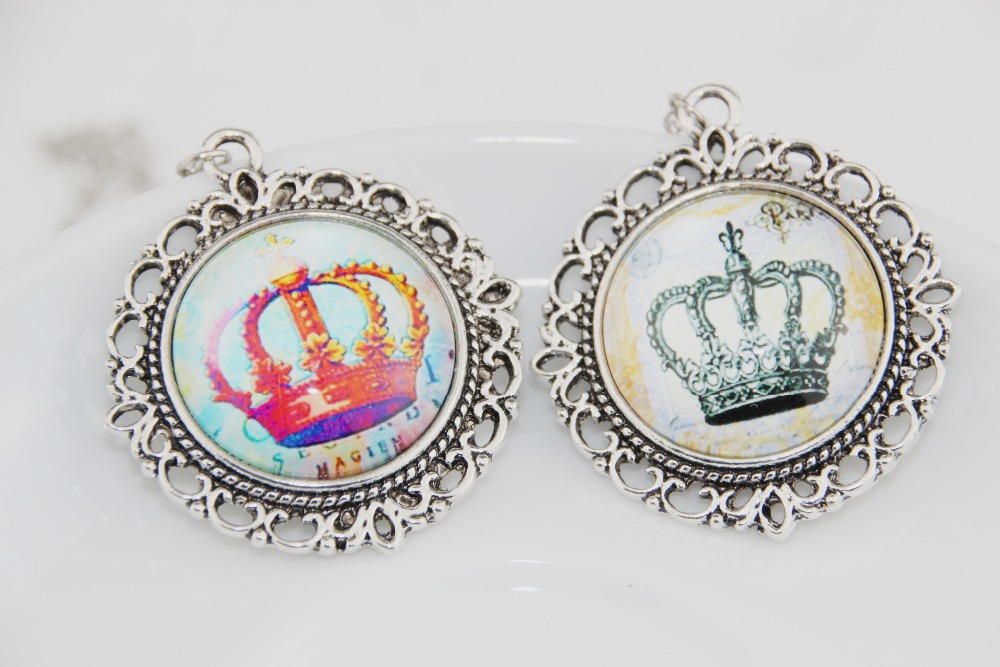 2015 Queen's crown necklace & pendant FOR men women Fashion vintage Silver Alloy Pendant Friendship Lovers Couple Gift - girl house store