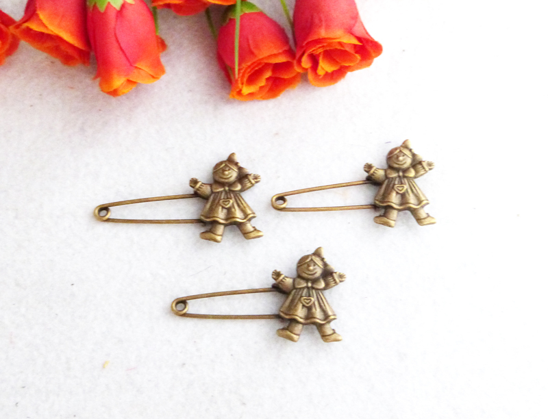 Free Shipping!!Wholesale(100piece)New retro chic bronze brooches nostalgic Style pins by hand MNT522(China (Mainland))