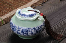 Handmade ceramic chinese tea jar,porcelain sealed kitchen food storage jars with cover for teas,candy storing,free shipping(China (Mainland))