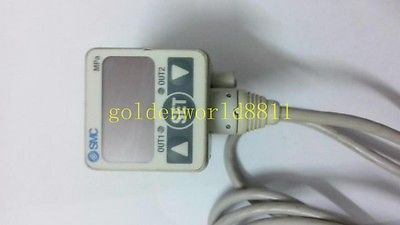 Фотография DHL/EMS 2 LOTS SMC Digital pressure sensor ISE40-01-22L-M good in condition for industry use  -A1