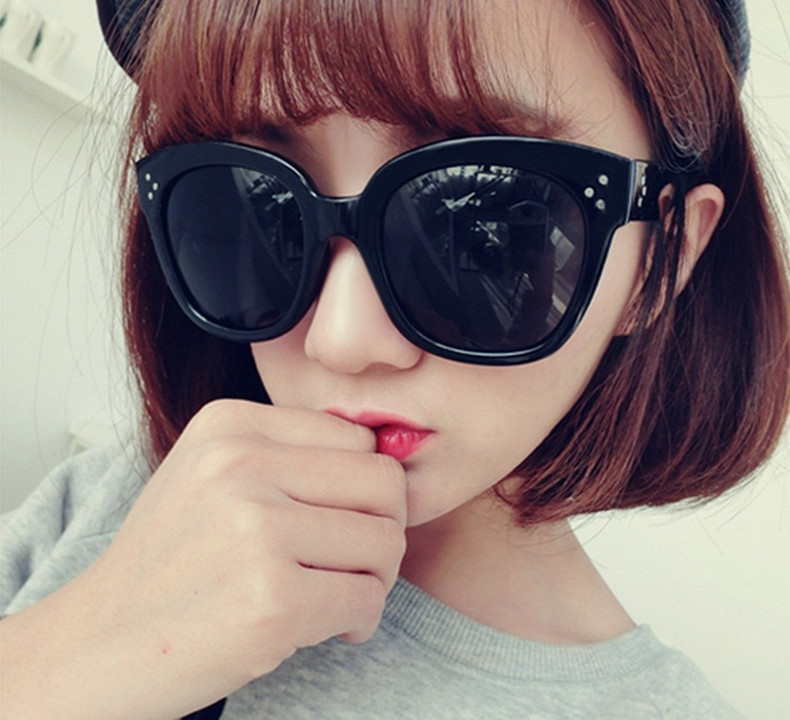 New 2015 Sexy Vintage Sunglasses Women Brand Designer Female UV400 Protection Glasses Oval Luxury Quality very high quality(China (Mainland))