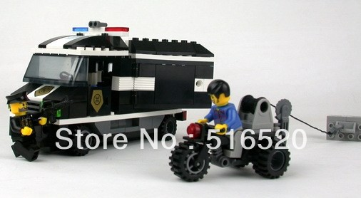 Enlighten Police Series Cash Truck Building Block Sets 209pcs Educational DIY Construction bricks toys for children 127(China (Mainland))