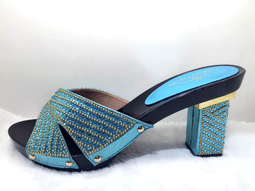 air jordan pas cher chine nike jeunes chaussures avec velcro. Black Bedroom Furniture Sets. Home Design Ideas