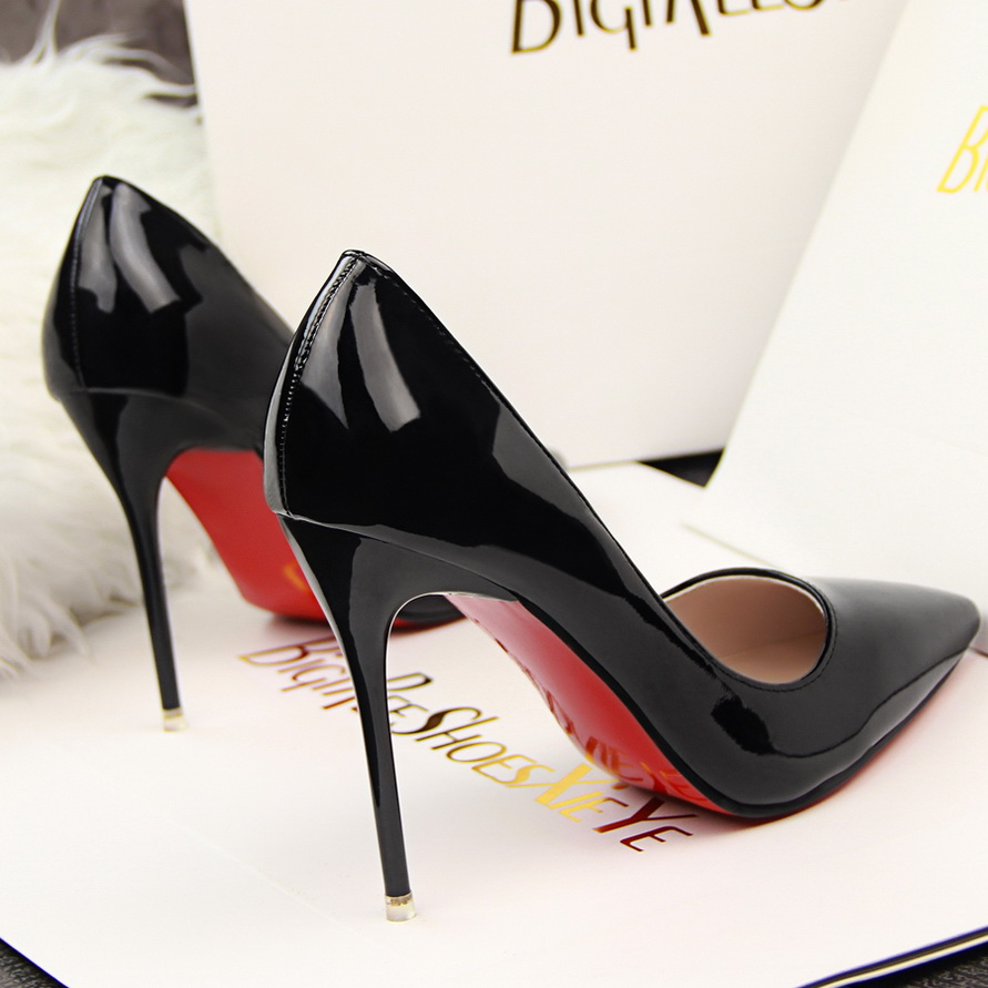 High Heel Shoes With Red Soles