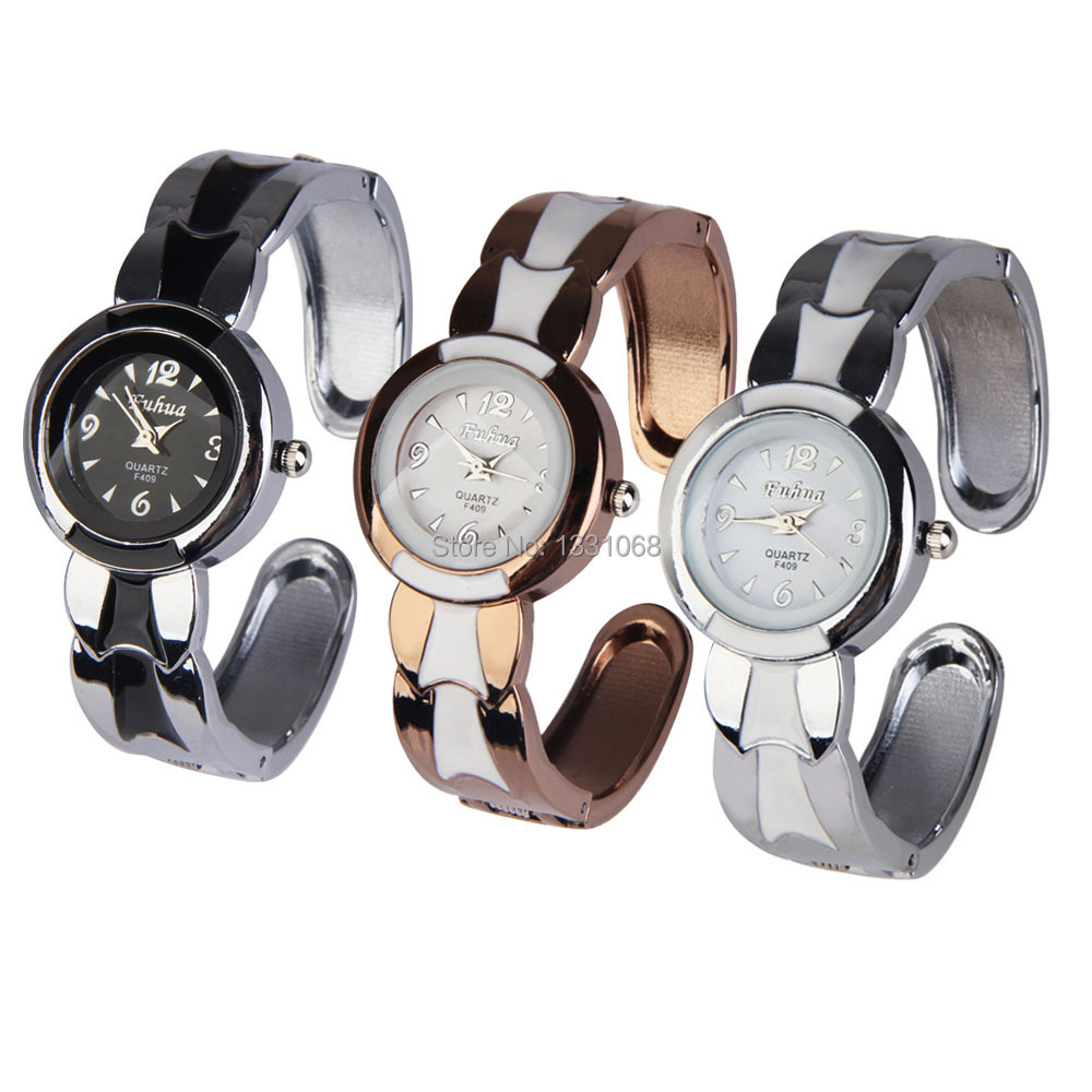 Гаджет  Fashion new Round Face Quartz Analog Charm Bracelet Wristwatch J3G# None Часы