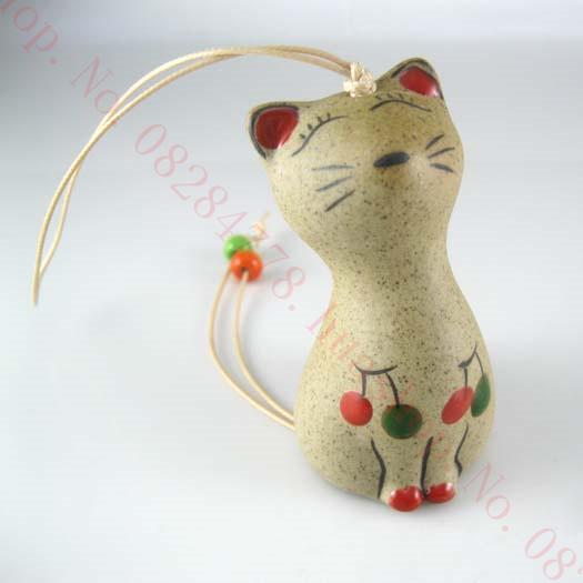 Maneki Neko Lucky cat Fortune cat Multi-colored civets ceramic wind chimes home accessories Random pattern or email to choose(China (Mainland))